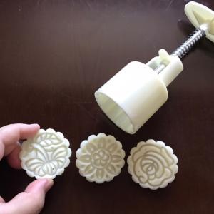 中秋節に手作り月餅を作る!