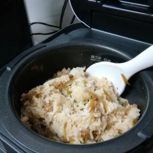 """●炊き立てのご飯に混ぜるだけ~♪大分県・前津江町の食品会社より""""鶏めしの素""""をポチっとな●"""