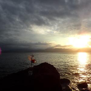 台風シーズンの初島ゴロタメジナ
