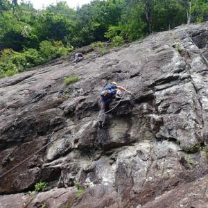 十二ヶ岳、西湖岩クライミング