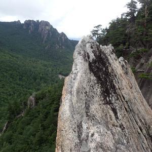 梅雨明け間近の小川山(妹岩・マラ岩)