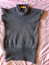 ステイホームのセーター出来上がりました。
