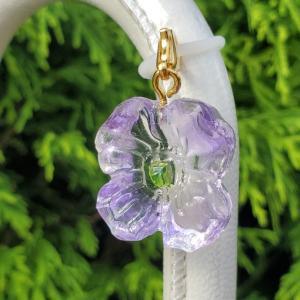 紫色のお花☆アンブレラマーカー マスクやファスナーにもつけられます