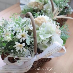 アレンジしたいお花はそれぞれで楽しく♡華やかなレッスンレポート