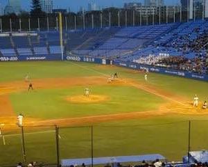 明治神宮野球大会 関西大vs金沢学院大、中央大vs東海大