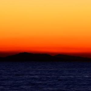 オバQダルマの日ノ出。