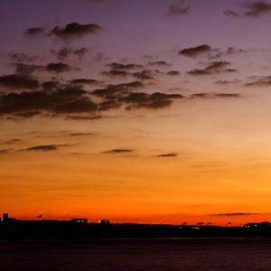 今朝の相模湾夜明け。