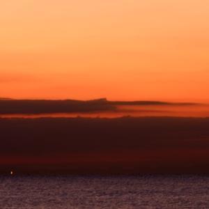 相模湾今朝の日ノ出。