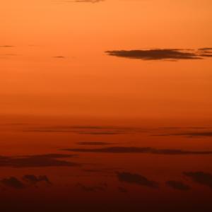 今朝の北浜海岸鱗雲の朝焼け。