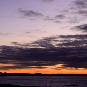 相模湾今朝の空模様。