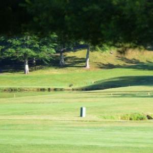 ゴルフで70台を目指してます。