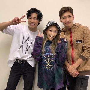 【画像】倖田來未さん公式 ユノとチャンミンとの楽屋ショット