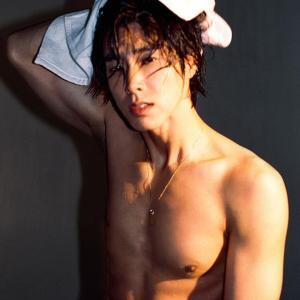 【画像】たまりません!! ユノの逞しく 眩しい肢体