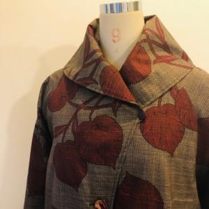着物着物リメイク・ 大島のお着物から大きな襟コート