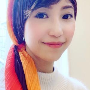 子供顔タイプに似合うスカーフ柄・アレンジポイント