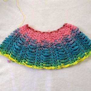 かぎ針で編むカラフルケープ3