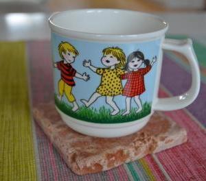 3.Gustafsberg やかまし村の子供たち マグカップ