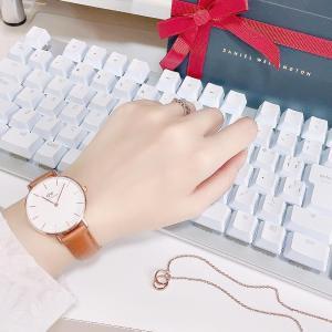 シンプルで可愛い  Daniel Wellingtonの腕時計