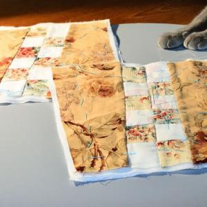 「花形モチーフ レースの巾着」作り  キルティングを進めています