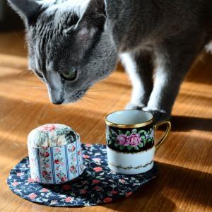 2つめのコーヒカップ型ピンクッションの制作中