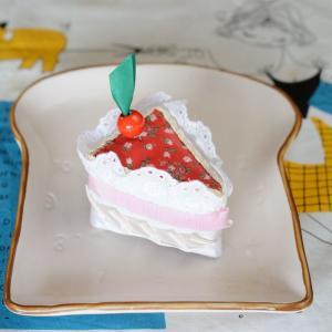 完成! パッチワークで作る「カットケーキのピンクッション」