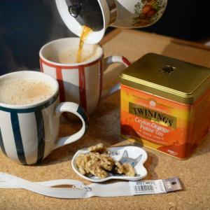 「筒型ポーチ作り」少し色の欲しいファスナーに紅茶染めを