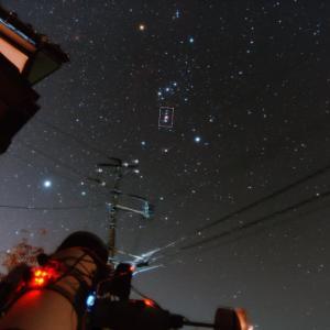 電柱すれすれ、オリオン大星雲 5段階露光