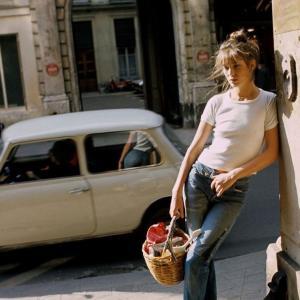 「フランス人は10着しか服を持たない」ライフスタイルに憧れて