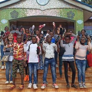 ケニアの孤児院のこどもたちへクリスマスプレゼント