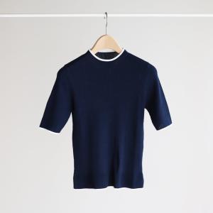 新作のリブ編み半袖ニット