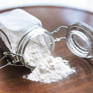 どうしてパン生地作りにスキムミルクを勧めるの?