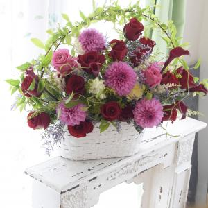 毎年いただく贈り花のオーダー。今年も華やかにお作りしました。