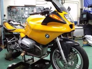 イエローが良く似合うバイクですね!