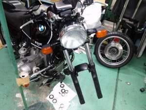 希少なバイクのオイル漏れ修理。