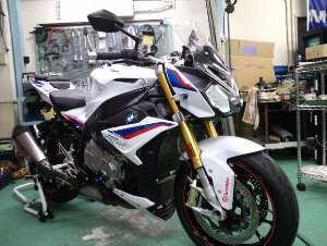 シュロス神戸では希少なバイク再び。