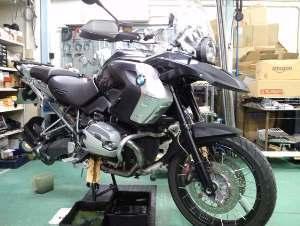 こちらのバイクで仕掛作業3台目に。