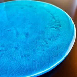 ターコイズブルーの皿