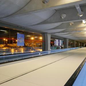 朝食はLADUREEで@パリシャルルドゴール空港