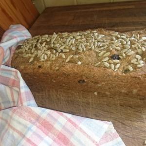 簡単でヘルシーな北欧風の田舎パン