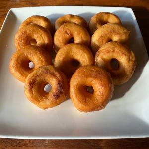 ドーナツ好きに捧げる♡グルテンフリーのふわふわドーナツレシピ