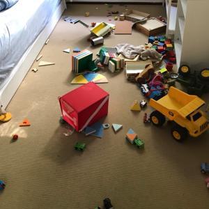 2歳の子どもがちっとも部屋を片付けてくれません!