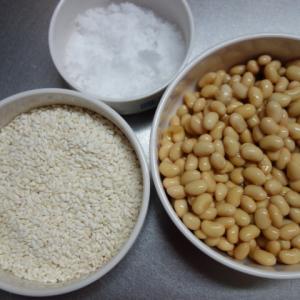 簡単手抜きで味噌作り 大豆の水煮とジップロックで1カ月