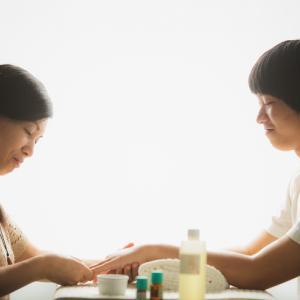 障がい児のママたちへ 〜アロマハンドセラピーでひと息つきませんか?〜