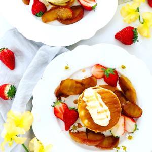 りんごのキャラメリゼパンケーキ