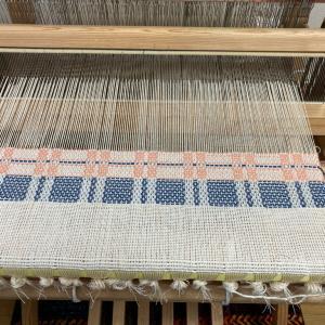 織り始めは、いつも悩む。