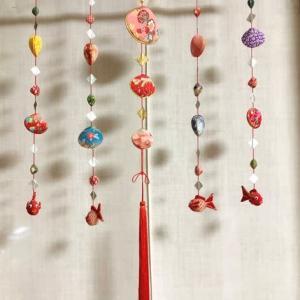 ハマグリの貝殻の吊り飾り