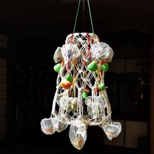 網ほおずき細工 失敗作のマクラメを使ってクリスマスツリー擬き