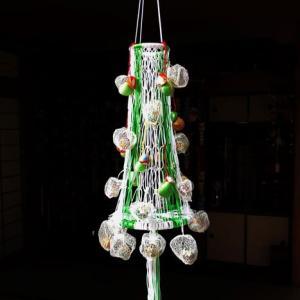 網ほおずきのクリスマスツリー擬き