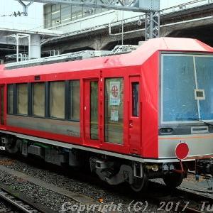 小田原にて箱根登山鉄道3100形に出会う。