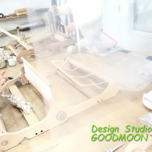 手織り教室、まだまだアクリル板設置